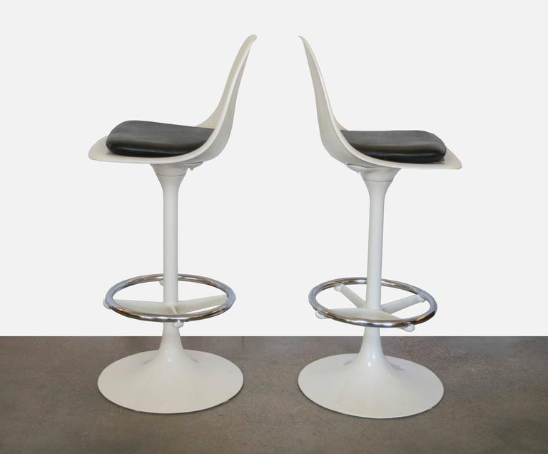 American Set of Four Tulip Saarinen Swivel Bar Stools For Sale