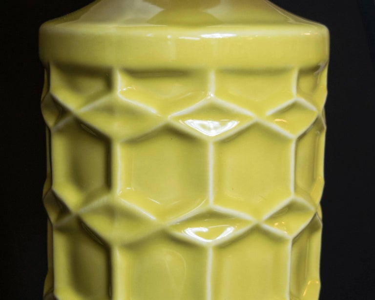 Pair of Yellow Ceramic Honeycomb Lamps In Excellent Condition For Sale In Houston, TX