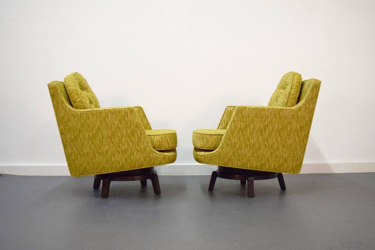 American Pair of Edward Wormley Swivel Lounge Chairs for Dunbar For Sale