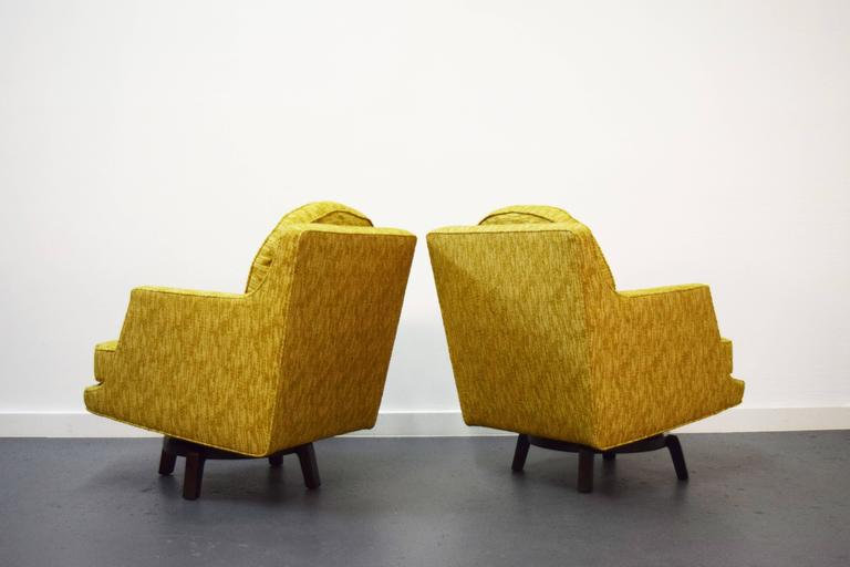 Pair of Edward Wormley Swivel Lounge Chairs for Dunbar In Excellent Condition For Sale In Middlesex, NJ