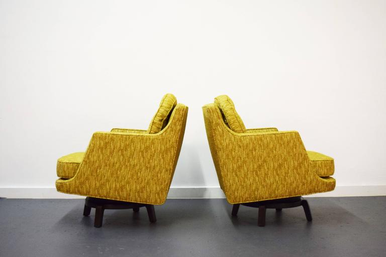 20th Century Pair of Edward Wormley Swivel Lounge Chairs for Dunbar For Sale