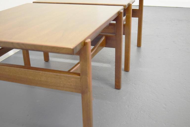 Mid-Century Modern Pair of Jens Risom End / Side Tables For Sale