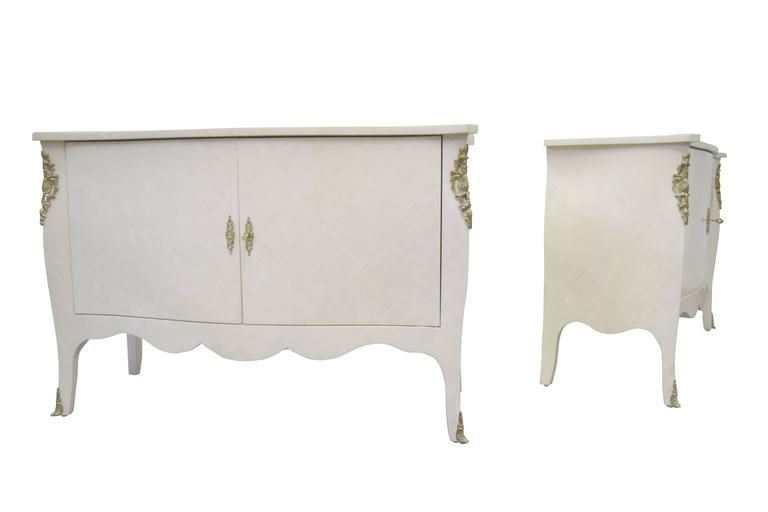 Pair of Signed Enrique Garcel Tessellated Bone Chests In Excellent Condition For Sale In Middlesex, NJ