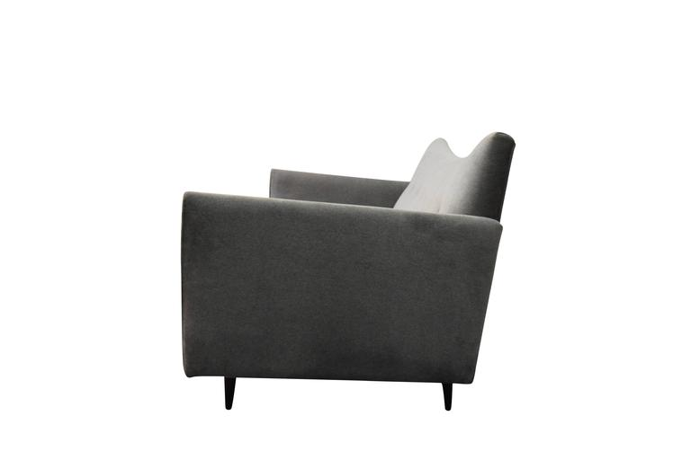 Paul McCobb Pagoda Sofa In Excellent Condition For Sale In Middlesex, NJ