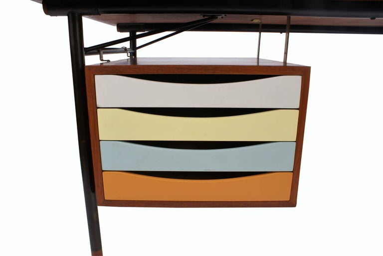 Scandinavian Modern Finn Juhl Desk in Teak for Bovirke, Model BO69, 1953 For Sale