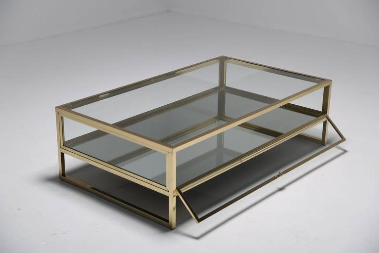 Delicieux This French Brass And Glass Curio Display Table Really Is The Chicest Way  To Display Your