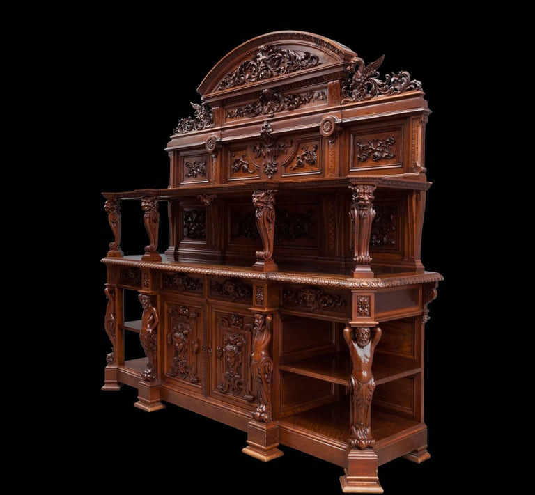 Antique Walnut Renaissance Suite In Excellent Condition For Sale In Tyrone, Northern Ireland