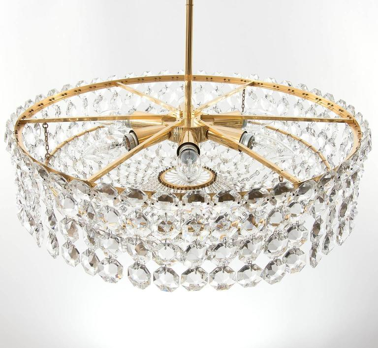 Bakalowits Chandelier, Crystal Glass and Gilt Brass, Austria, 1960s, 1 of 2 In Excellent Condition For Sale In Vienna, AT
