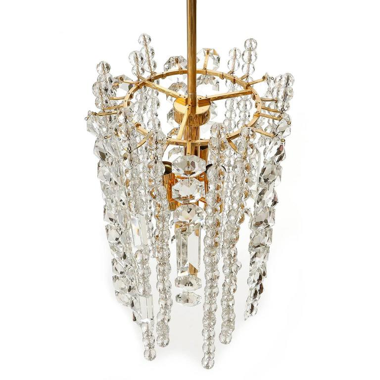 Bakalowits Chandelier Pendant Light, Gilt Brass Crystal Glass, 1960s In Excellent Condition For Sale In Vienna, AT