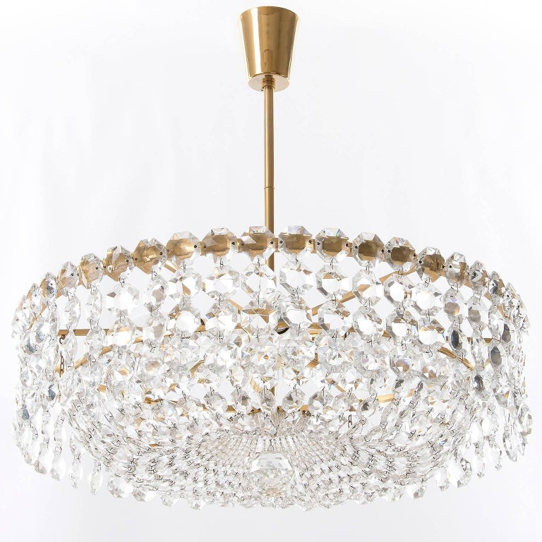 Austrian Pair of Bakalowits Chandeliers Pendant Lights, Crystal Glass Gilt Brass, 1960 For Sale