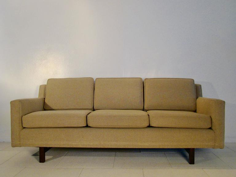 Superb Edward Wormley Design Vintage Three Seat Sofa For Dunbar Furniture, USA 2
