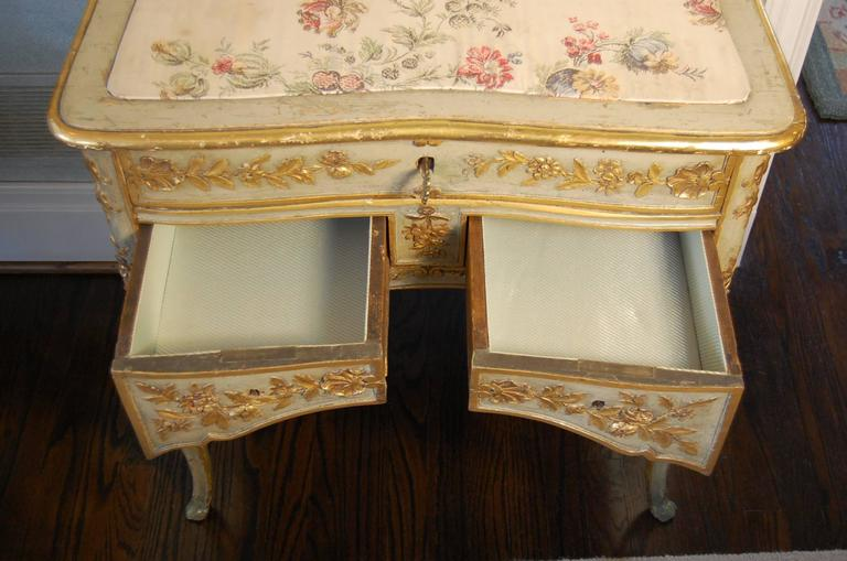 Louis Xv French Dressing Table With Three Drawers In