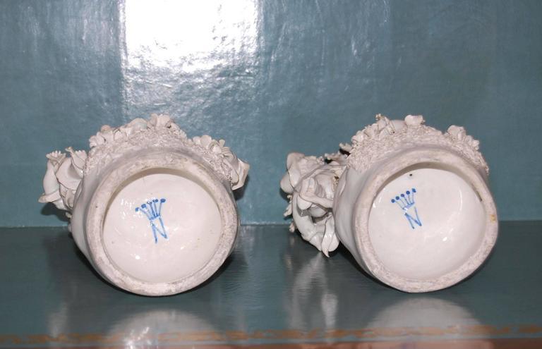 Italian Pair of 19th Century Capodimonte Porcelain Figurines, circa 1830-1890 For Sale
