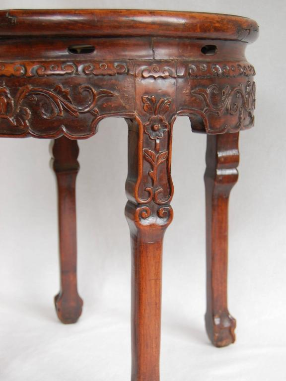19th Century Circular Chinese Carved Rosewood Table with Marble Top For Sale 1
