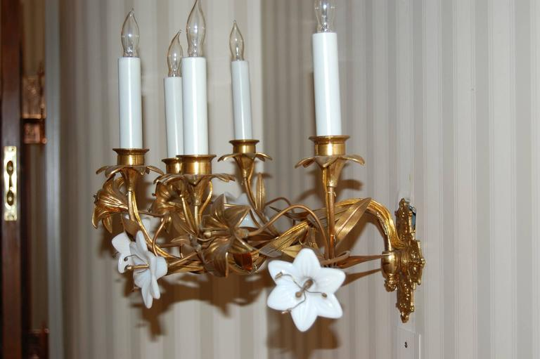 Pair of Early 19th Century Five-Light French Lily Sconces with Glass Flowers In Excellent Condition For Sale In Pittsburgh, PA