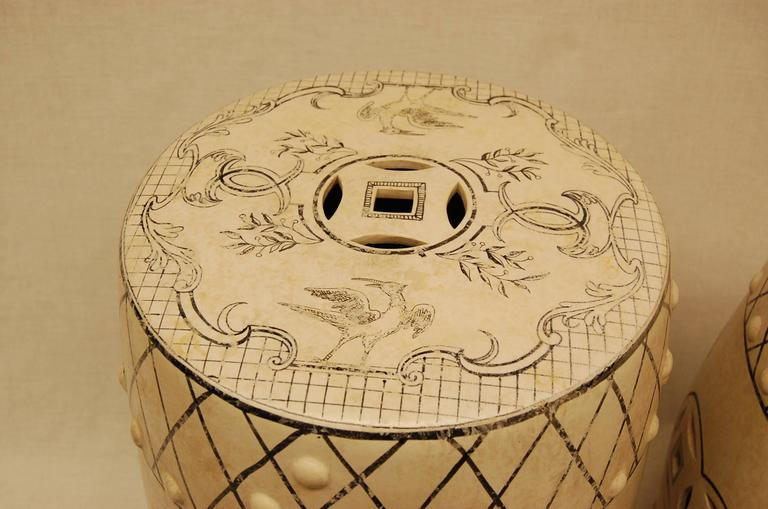 Pair of Early 20th Century Chinese Decorated Porcelain Garden Seats  For Sale 3