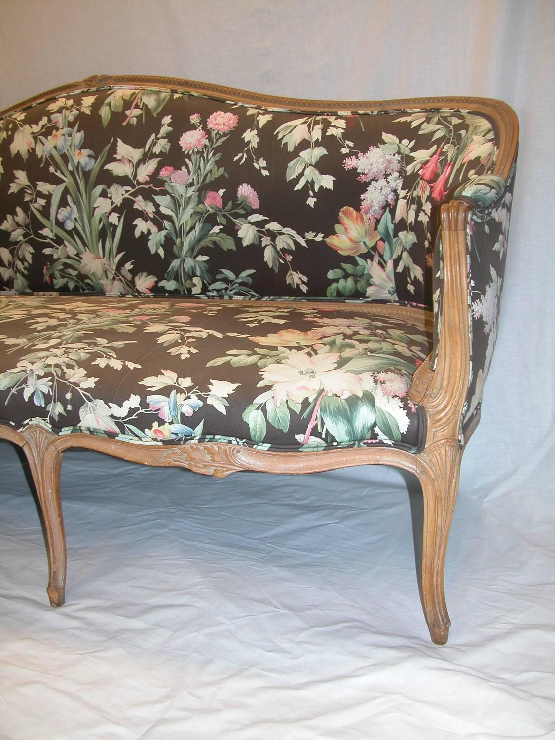 Carved Wood Late 18th Century Hepplewhite Upholstered Sofa At 1stdibs. Full resolution  photograph, nominally Width 1125 Height 1500 pixels, photograph with #836248.