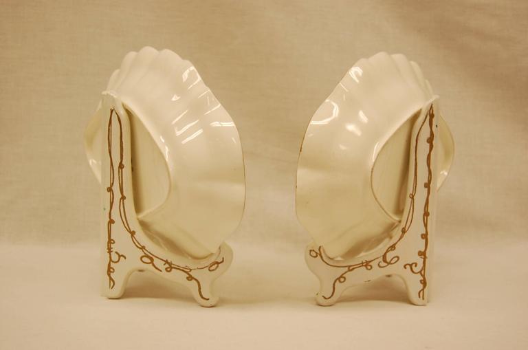 Porcelain Pair of Royal Worcester Oval Dessert Bowls Dating to 1909 For Sale
