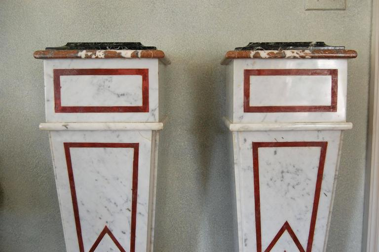Pair of Italian Neoclassical Marble Pedestals, Late 19th Century For Sale 1