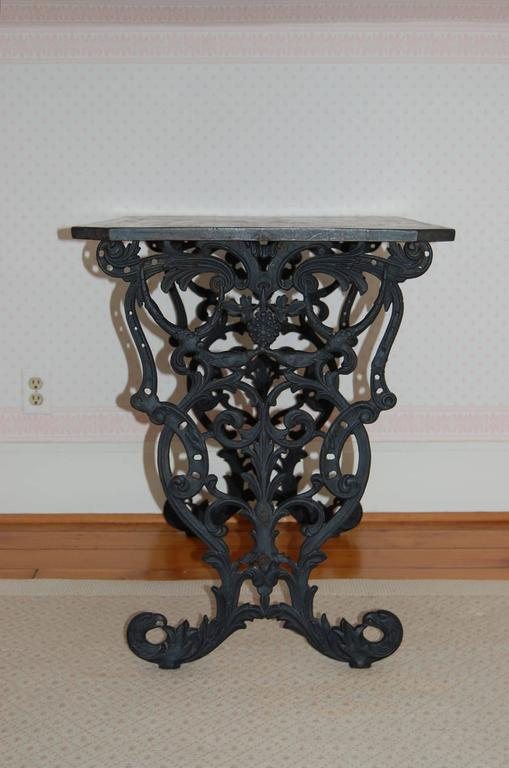 Cast Iron Table w/ Original Iron Top in the Style of Coalbrookdale, late 19th C. In Excellent Condition For Sale In Pittsburgh, PA