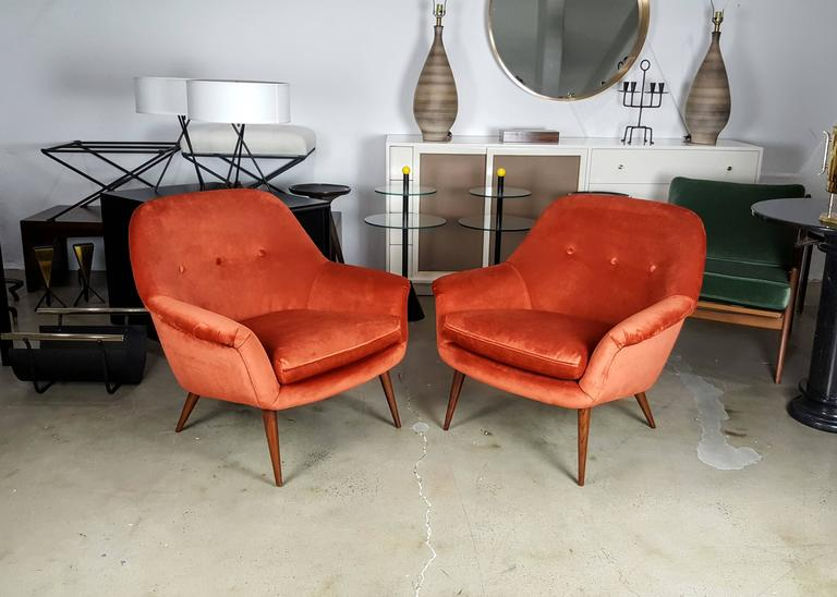 Pair of Italian Modern Lounge Chairs in Persimmon Velvet For Sale 1