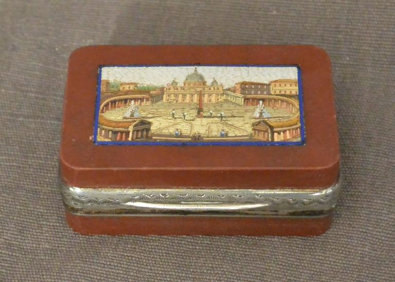 Micromosaic Snuff Box with View of St. Peter's In Excellent Condition For Sale In New York, NY