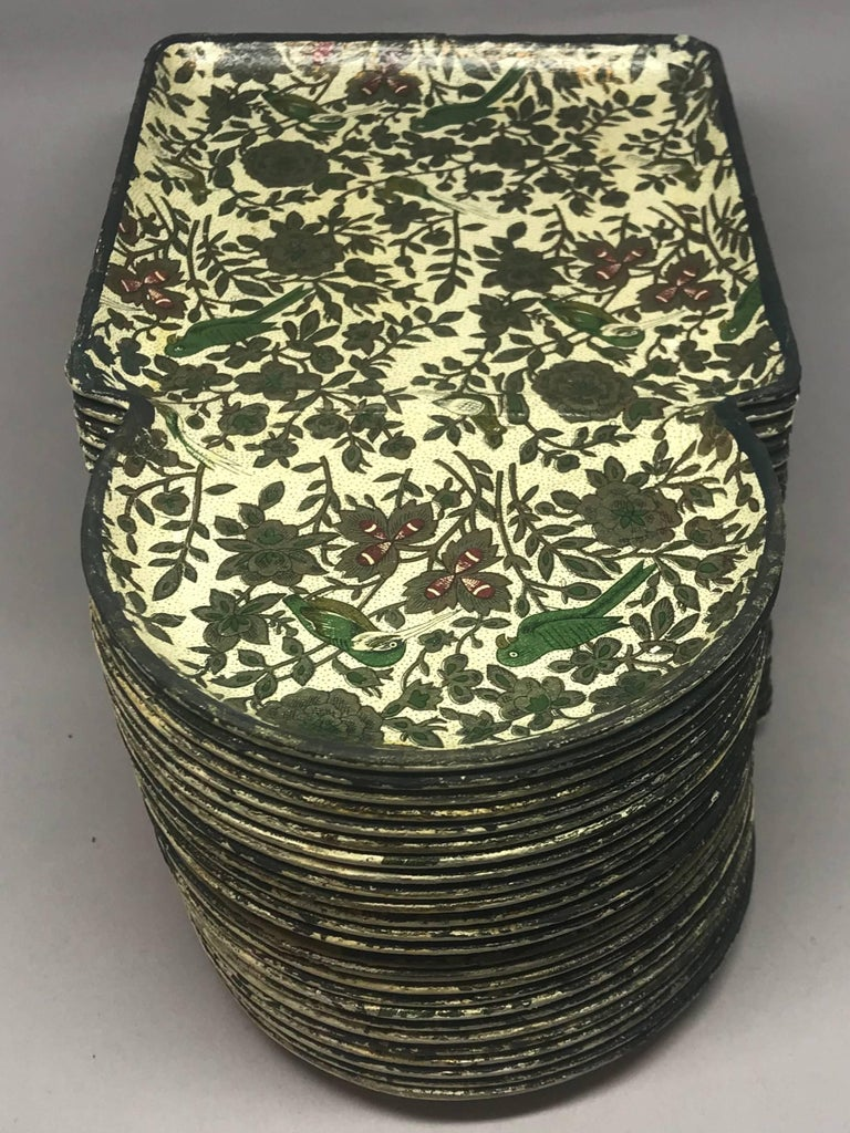 Hors D'Oeuvres Chinoiserie Bird Party Trays In Good Condition For Sale In New York, NY