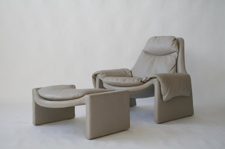 20th Century P-60 Saporiti Lounge Chair and Ottoman by Vittorio Introini For Sale