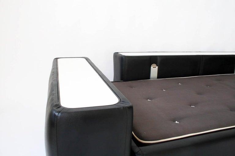 1960s Tito Agnoli Model 711 Sofa Bed for Cinova, Italy In Excellent Condition For Sale In Chicago, IL