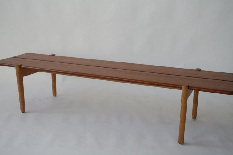 Mid-20th Century Danish Modern Hans Wegner Teak and Ash Bench for Johannes Hansen, Denmark, 1950 For Sale