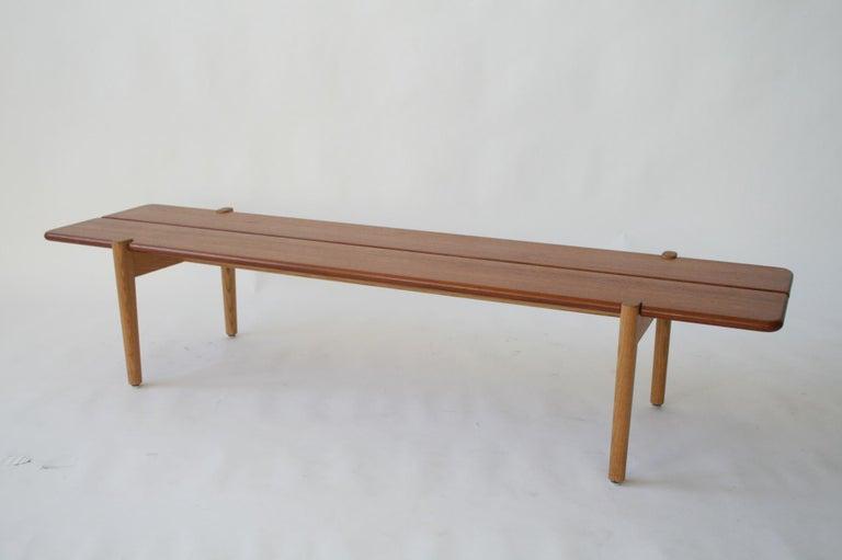Danish Modern Hans Wegner Teak and Ash Bench for Johannes Hansen, Denmark, 1950 For Sale 1