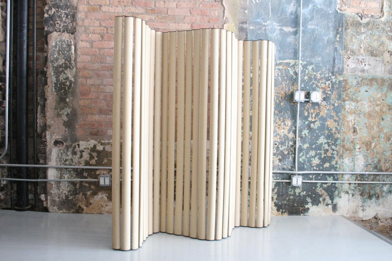 Danish modern Fritz Hansen viper screen by Hans Sandgren Jakobsen. Undulating cardboard and anodized aluminum screen made by Fritz Hansen and distributed in the USA by Knoll. Can be positioned in any configuration. Minor wear from use otherwisevery