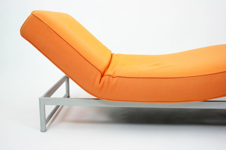 Piero lissoni reef bench chaise longue in orange felt for for Chaise orange