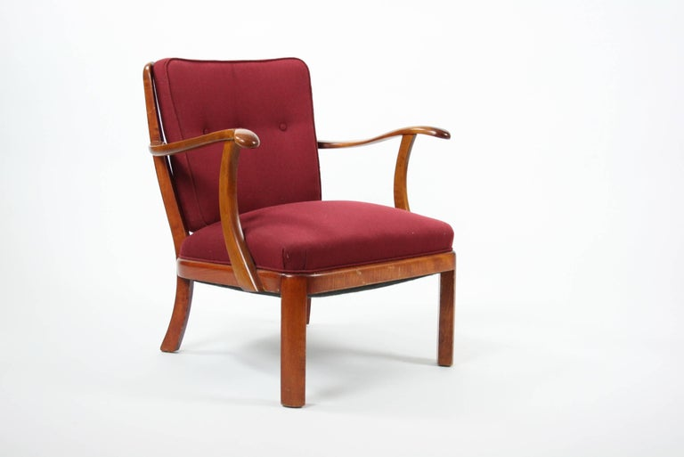 Søren Hansen lounge chair model 1628 Fritz Hansen Denmark, circa 1940 stained beech, upholstery. Literature: Fritz Hansen, manufacturer's catalog, 1940, pg. 10