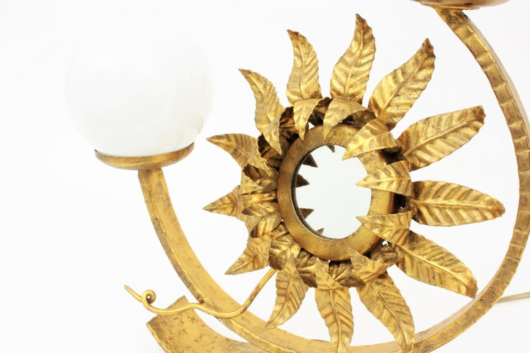 Spanish Gilt Iron Sunflower Sunburst Mirror Table Lamp with Milk Glass Globes In Excellent Condition For Sale In Barcelona, ES