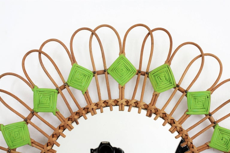 Rare Spanish 1950s Rattan Sunburst Flower Shaped Mirror with Green Rhombus For Sale 1