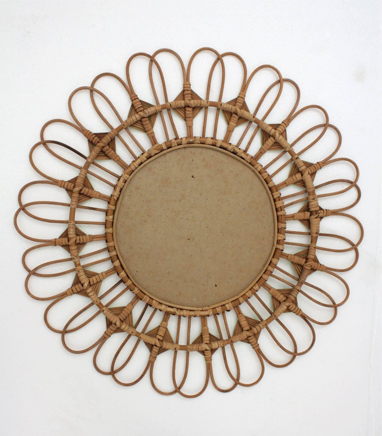 Rare Spanish 1950s Rattan Sunburst Flower Shaped Mirror with Green Rhombus For Sale 4