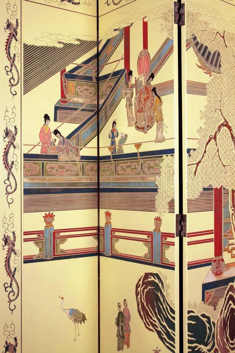 1950s Eight-Panel Ivory Lacquered Chinoiserie Folding Screen or Room Divider For Sale 1