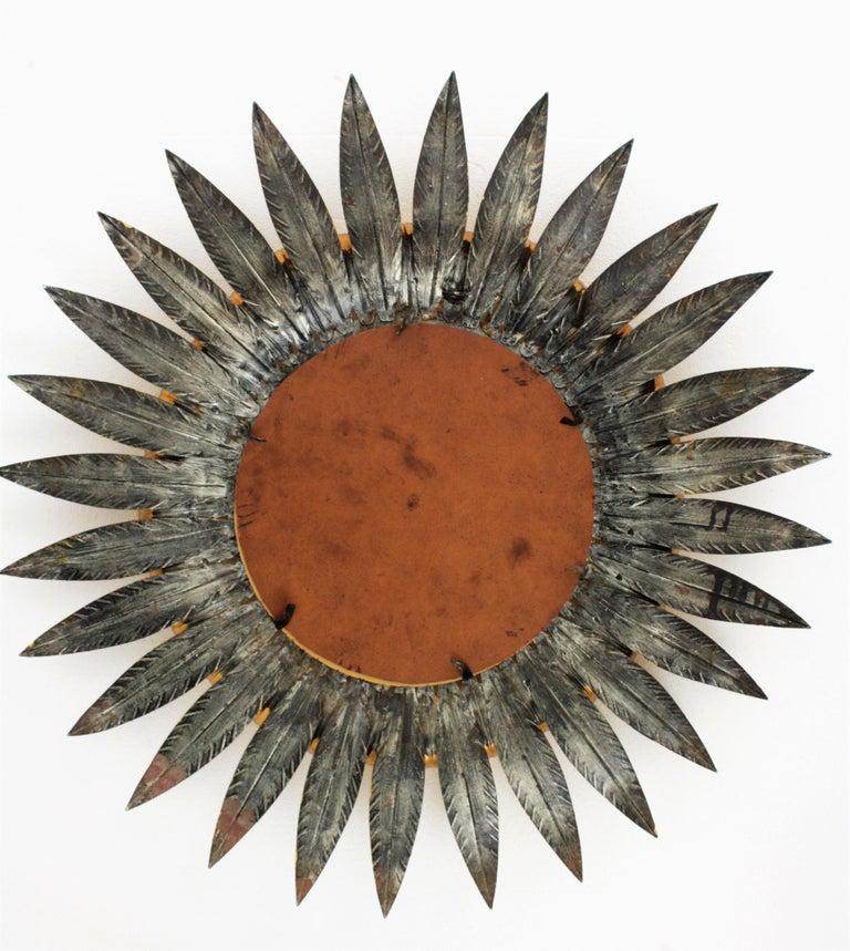 Large Spanish 1960s Double Layered Eyelash Bicolor Gilt Iron Sunburst Mirror For Sale 6