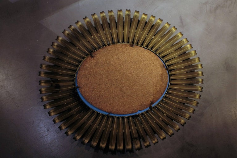 1950s Spanish Brutalist Hammered Gilt Metal Eyelash Oval Sunburst Mirror  For Sale 5