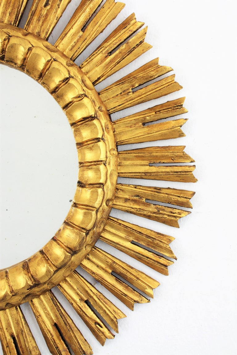 Mid-20th Century French 1930s Medium Sized Carved Giltwood Sunburst Mirror For Sale