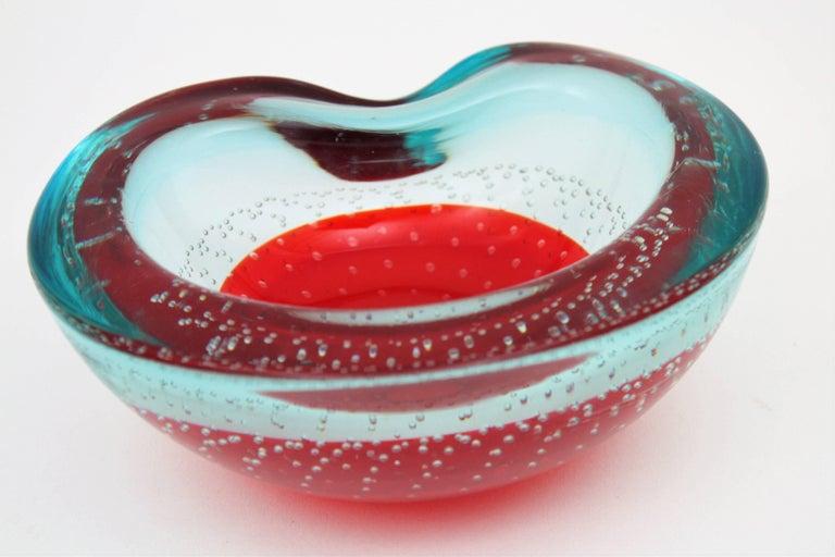 20th Century Italian 1960s Galliano Ferro Red and Clear Bullicante Sommerso Murano Glass Bowl For Sale