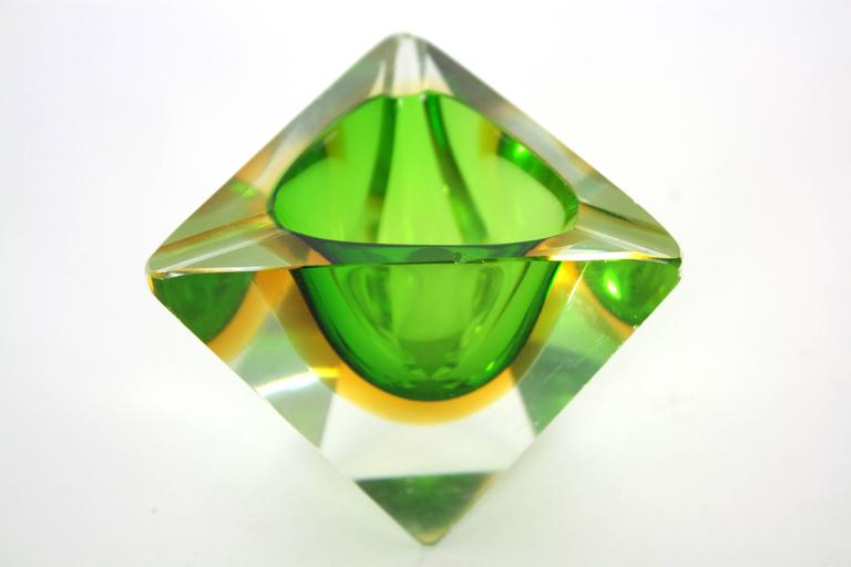 Six Flavio Poli Colorful Faceted Triangular Sommerso Murano Glass Ashtrays For Sale 4