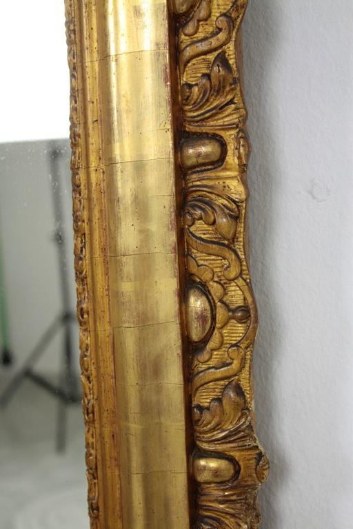 French Louis XV Period Carved Giltwood Mirror For Sale 2