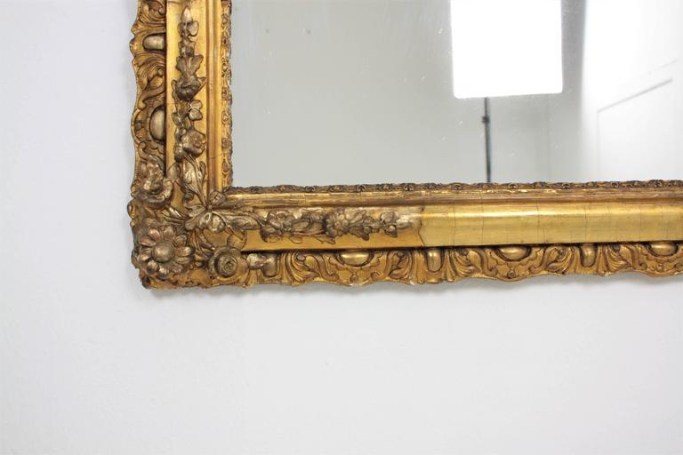 French Louis XV Period Carved Giltwood Mirror For Sale 3