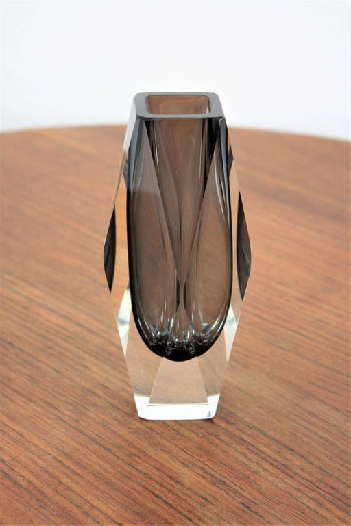 Mandruzzato Smoked Grey and Clear Faceted Sommerso Murano Glass Vase For Sale 1