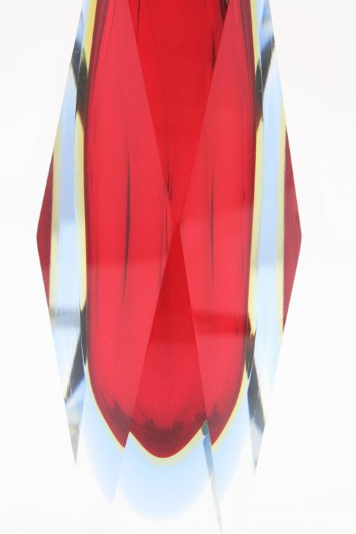 Mandruzzato Red, Yellow and Blue Faceted Sommerso Murano Glass Vase For Sale 1