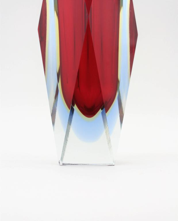 Mandruzzato Red, Yellow and Blue Faceted Sommerso Murano Glass Vase For Sale 2