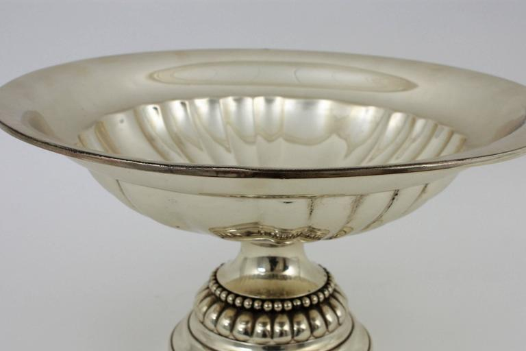 Spanish Mid-20th Century Sterling Silver Footed Tazza Centerpiece or Fruit Stand For Sale 4