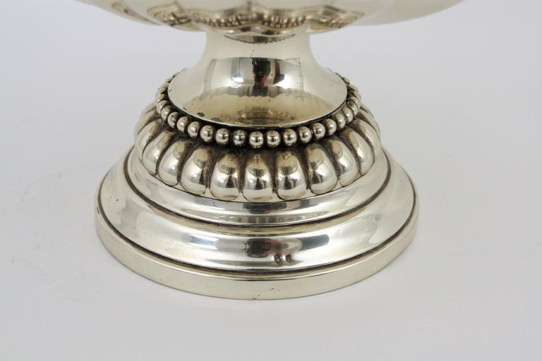 Spanish Mid-20th Century Sterling Silver Footed Tazza Centerpiece or Fruit Stand For Sale 1